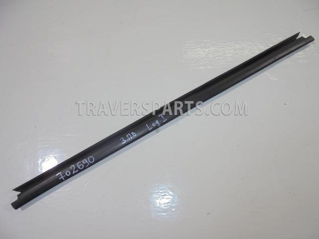 b817ee17acca10ca9d828ffb7060a7c9 - Уплотнитель стекла левой передней двери