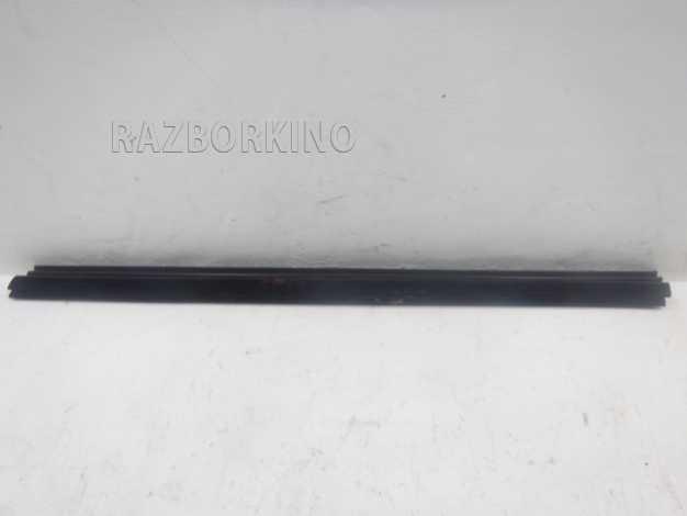 bce5439cc53b947da714731f8912a6c7 - Уплотнитель стекла левой передней двери